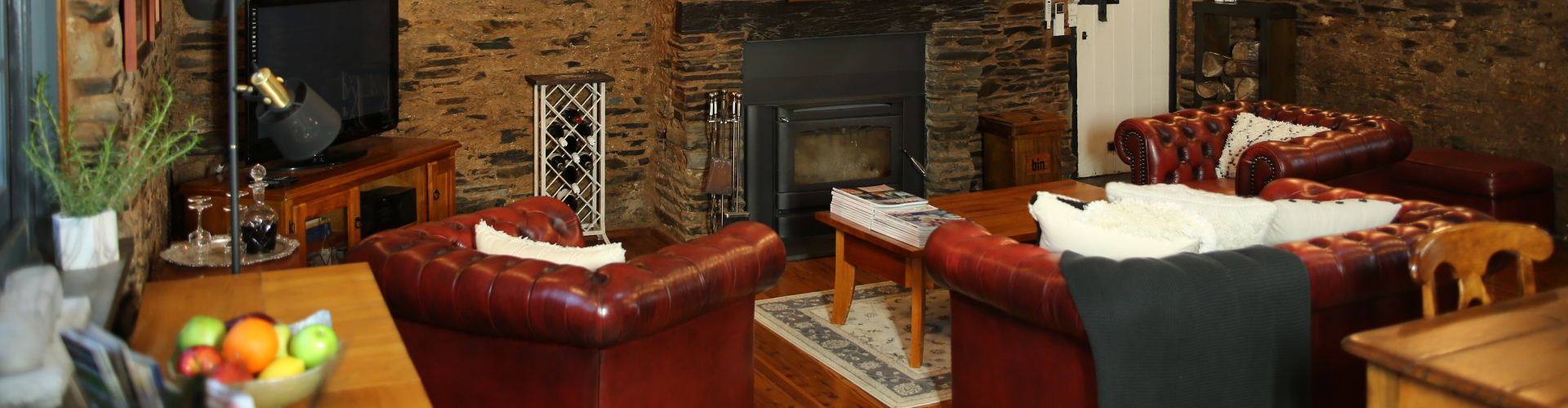 Cypress Studio lounge - William Hunts Retreat Mintaro Clare Valley